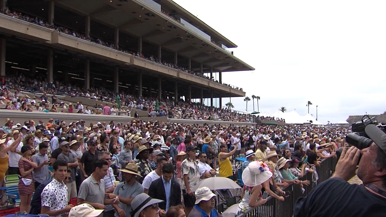 Del Mar Opening Day Crowd